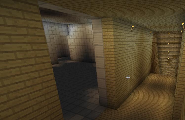 弗兰奇武器开发室(装修前,全铁房间,内有左后方火炮室,共放置两门大炮)。 ...